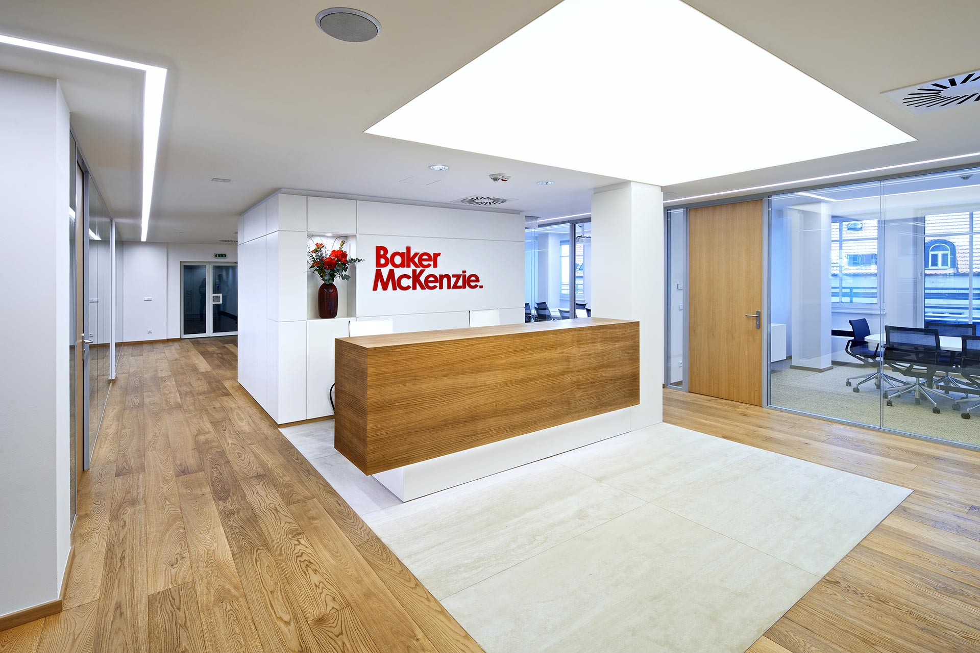 baker mckenzie case Baker mckenzie 1 baker & mckenzie llp is a member firm of baker & mckenzie international, a swiss verein with member law firms around the world.